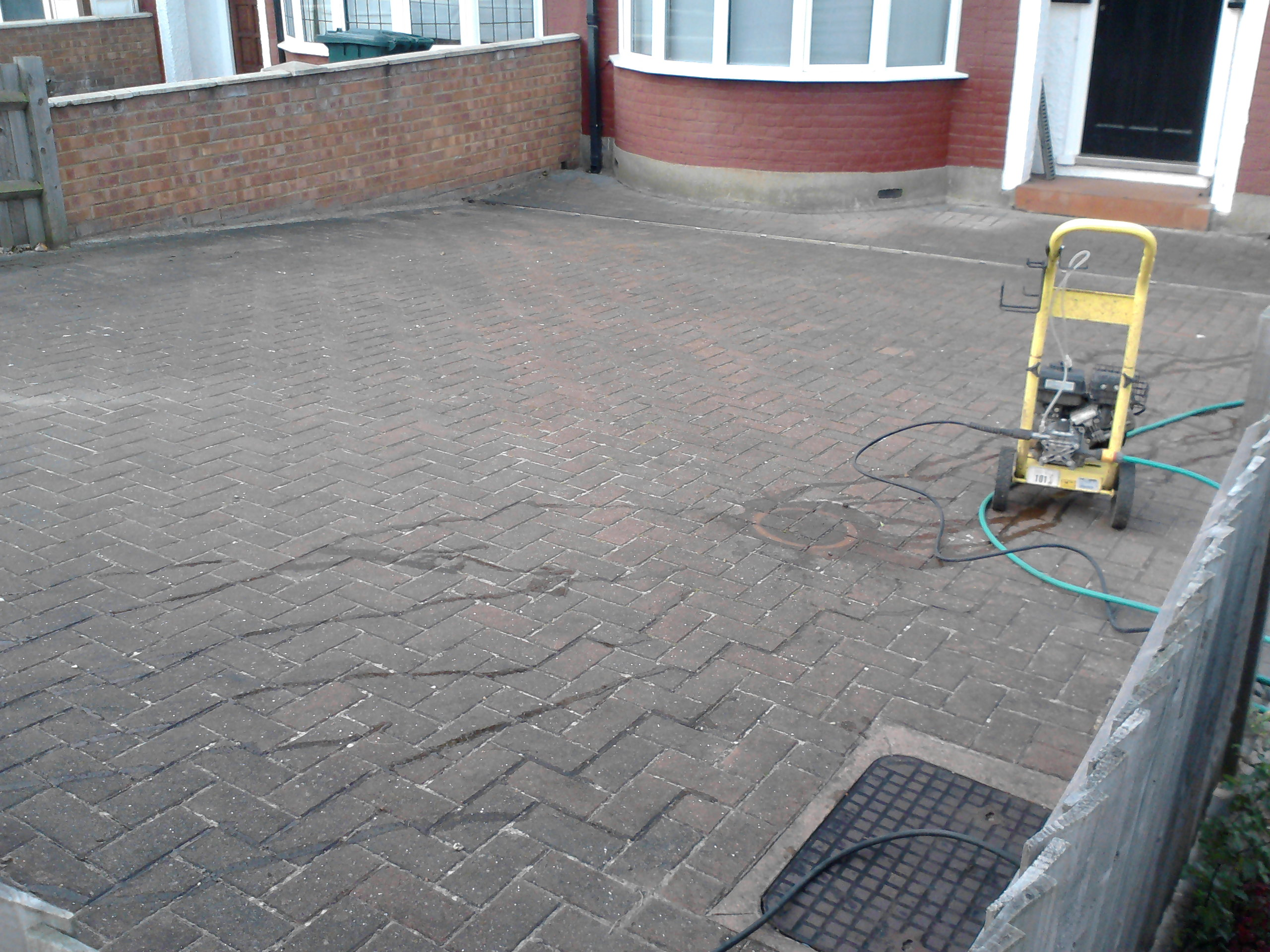Block Paving N12: BEFORE